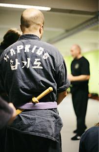 Pystyottelu -ja veitsipuolustus seminaari 10.12