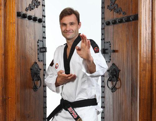 Valmennuskurssi taekwondon punaisille - ja ruskeille vöille!