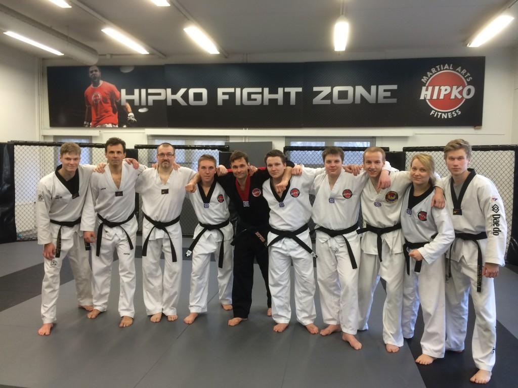 Taekwondon mustien vöiden harjoitukset Metsälän sali pe klo 18.30-19.30!
